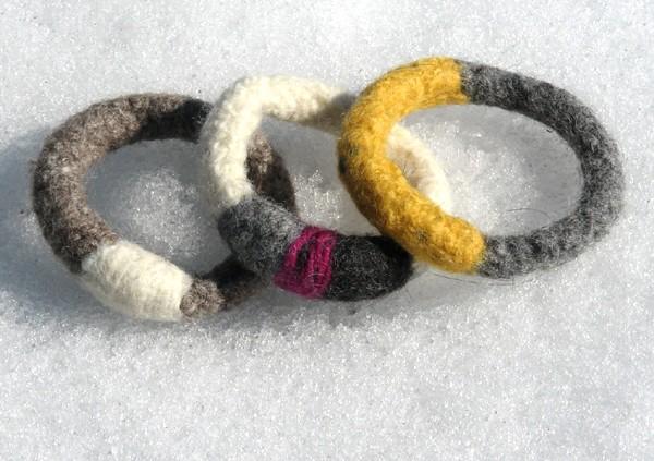 Felted bracelet - Mixed Yarn