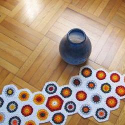 Crochet 70's northern europe design hexagon centerpiece - Wool - Bright autumn colors